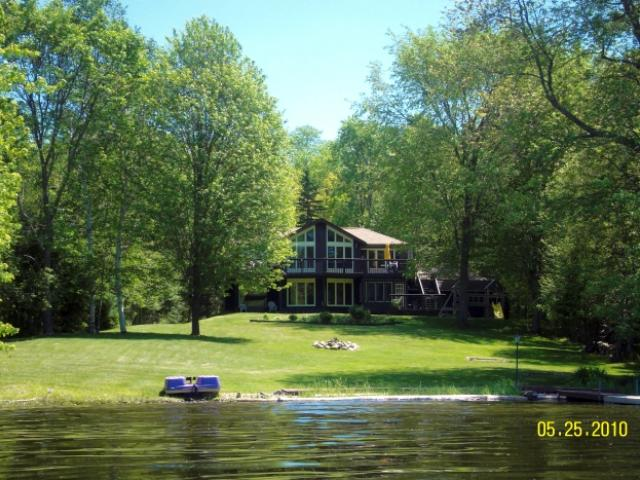 VacationsFRBO Haliburton Vacation Rentals Property ID 81153 Foszie`s Cottage - Kashagawigamog Lake -